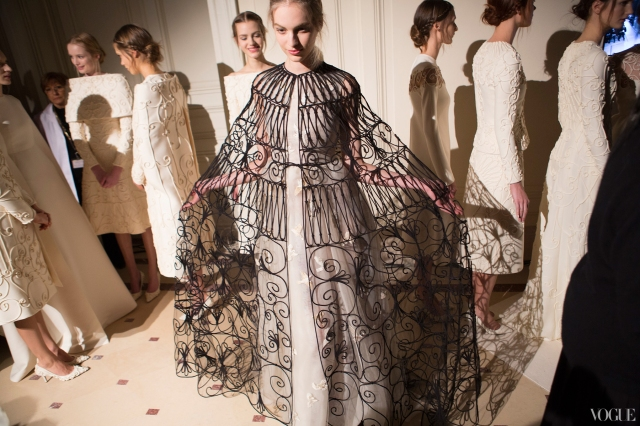 12couture-spring-2013-round-up-valentino-10_114824343104