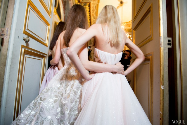 6-couture-spring-2013-round-up-giambattista-valli-05_145506123804