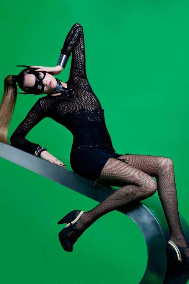 Cara_Delevingne_Melissa_Shoes_Karl_Lagerfeld_Campaign_04