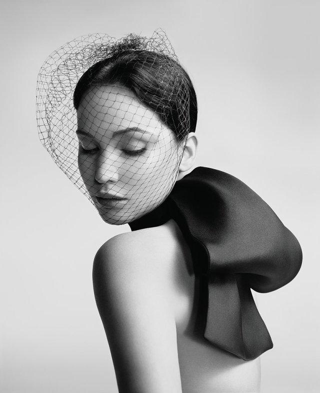 Jennifer-Lawrence-Miss-Dior-4