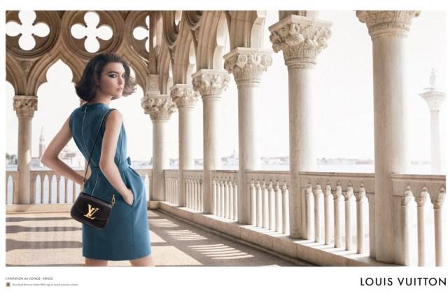 Louis-Vuitton-28-Vogue-30oct13-David-Sims_b_1080x720