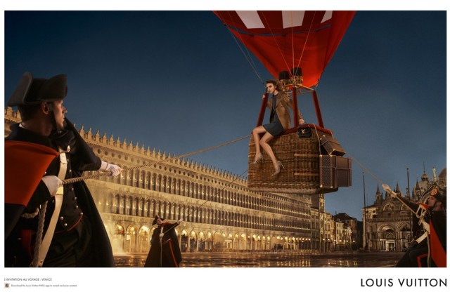 Louis-Vuitton-33-Vogue-30oct13-David-Sims_b_1080x720