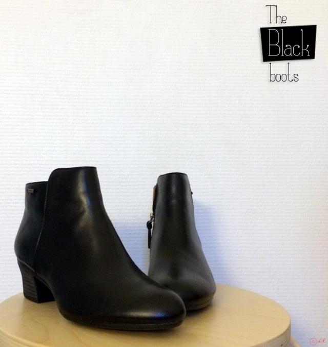 black-boots-clarks-eshop