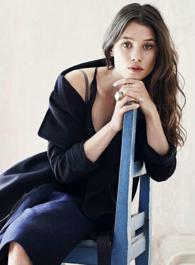 Àstrid-Bergès-Frisbey-by-Dan-Martensen-for-Elle-US-August-2014-1