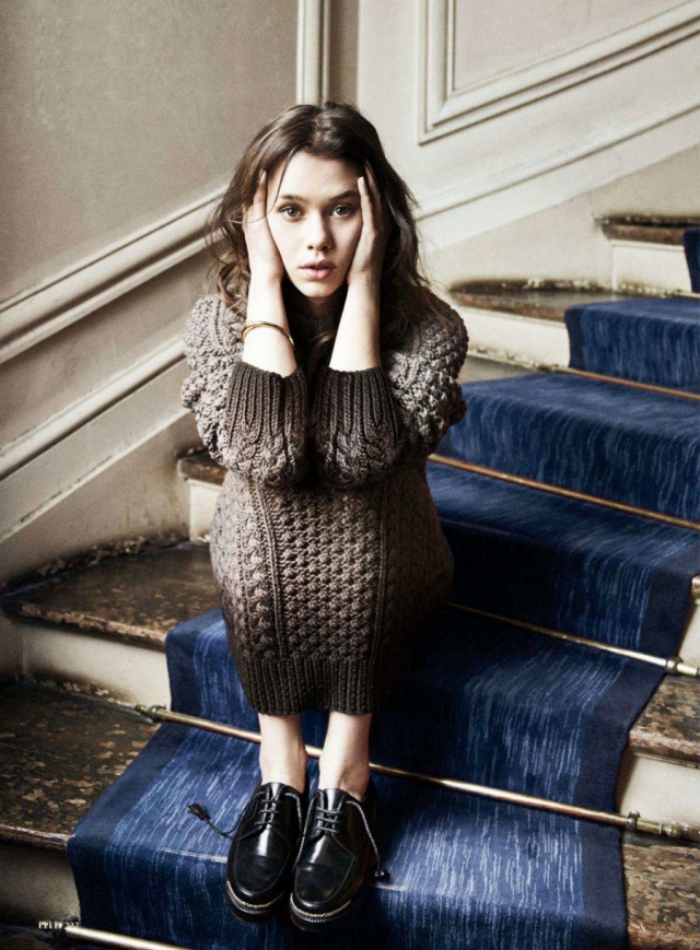 Àstrid-Bergès-Frisbey-by-Dan-Martensen-for-Elle-US-August-2014-4