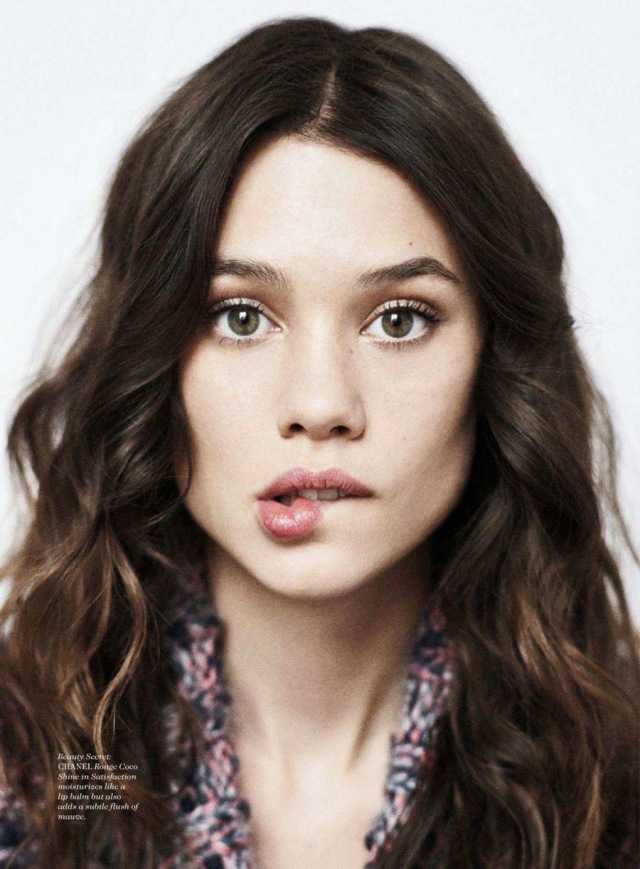 Àstrid-Bergès-Frisbey-by-Dan-Martensen-for-Elle-US-August-2014-7