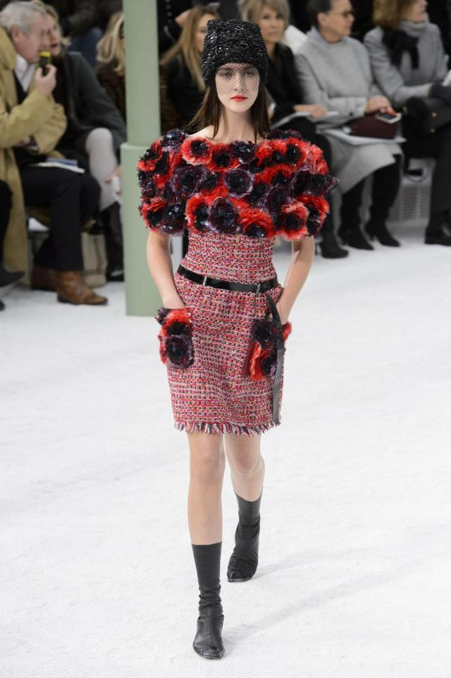 defile-chanel-printemps-ete-2015-paris-look-41