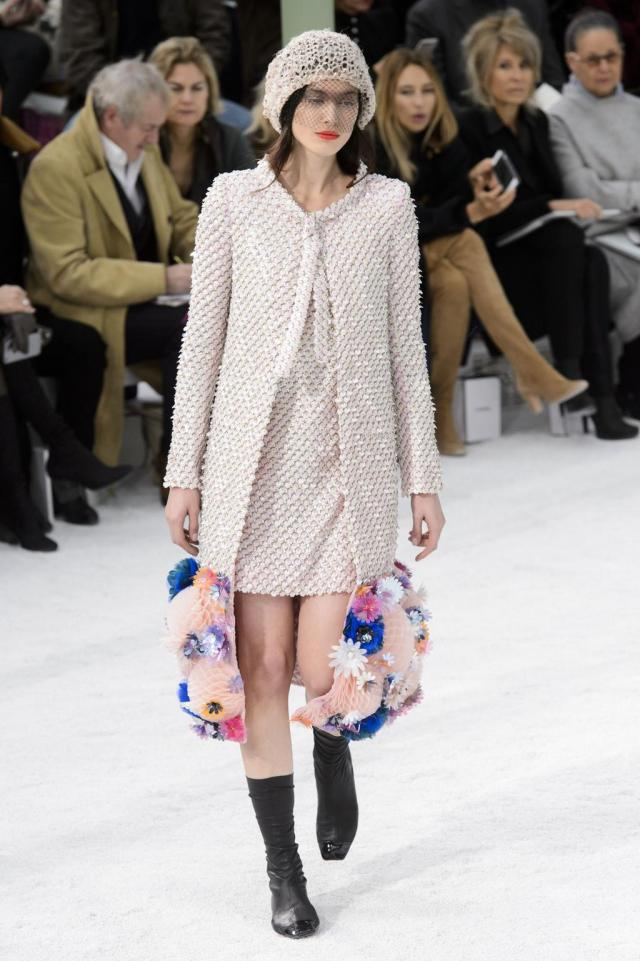 defile-chanel-printemps-ete-2015-paris-look-51