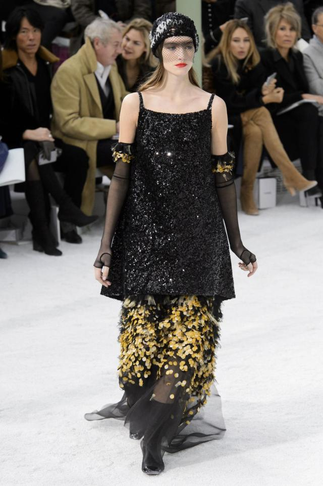 defile-chanel-printemps-ete-2015-paris-look-54