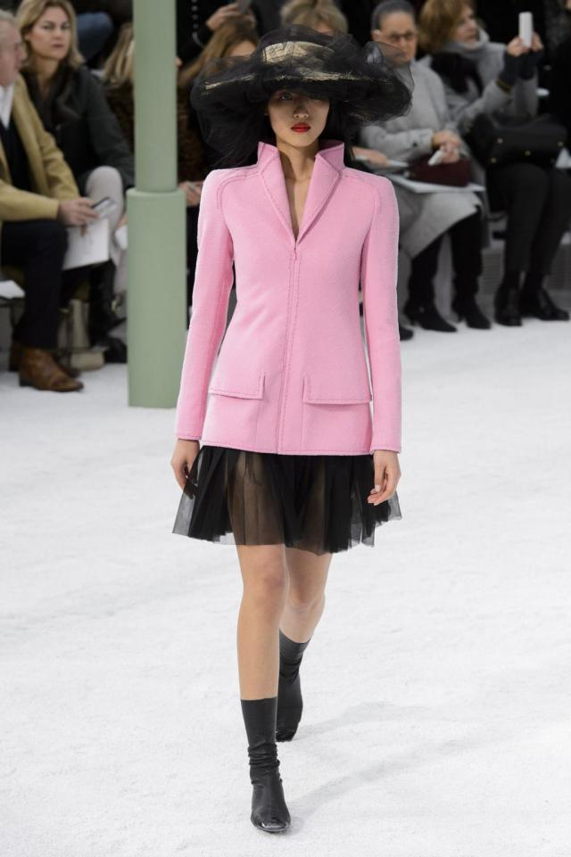 defile-chanel-printemps-ete-2015-paris-look-7