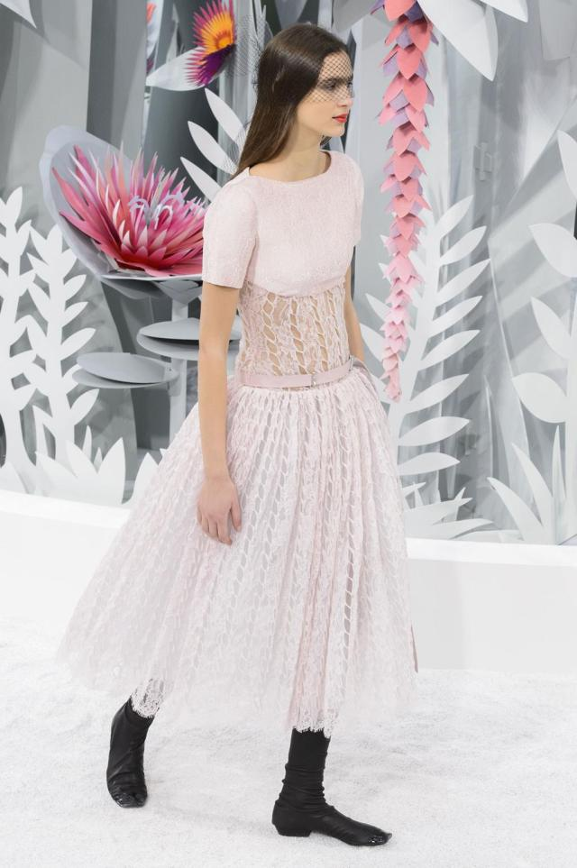 defile-chanel-printemps-ete-2015-paris-look-70
