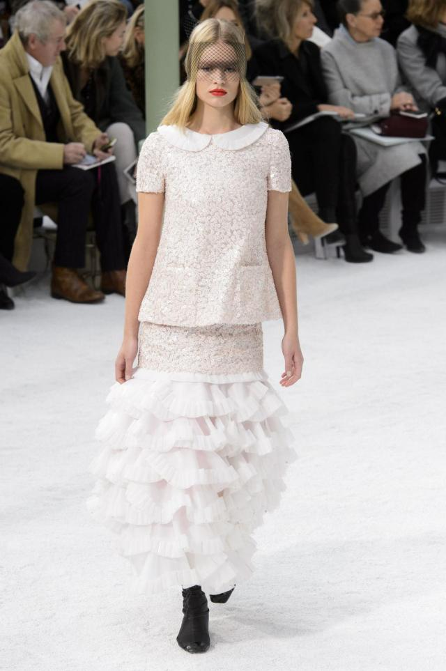 defile-chanel-printemps-ete-2015-paris-look-71